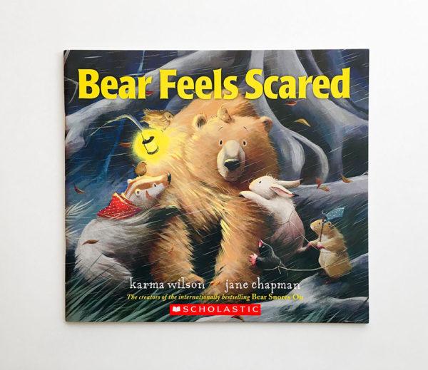 BEAR FEELS SCARED (PB)